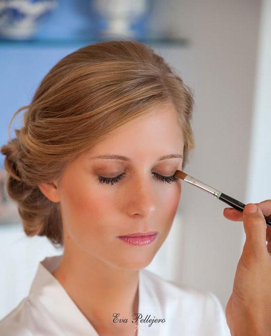 Novia elegante, Eva Pellejero, novias, salon de belleza, peluqueria, expertas en novias, maquillaje, wedding, boda, recogido