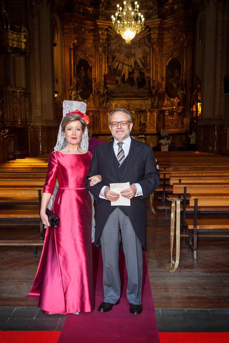 Fotos de vestidos de madrina con mantilla