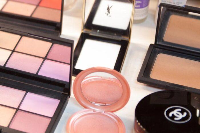 taller de automaquillaje en grupocurso de maquillaje zaragoza eva pellejero school