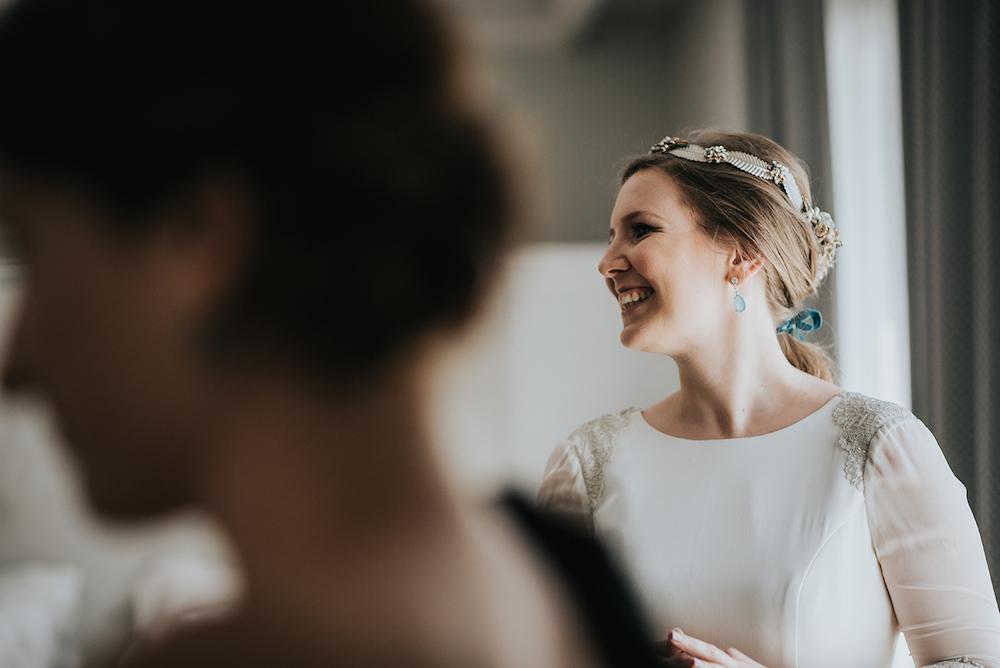 peinado de novia con coleta y lazo eva pellejero