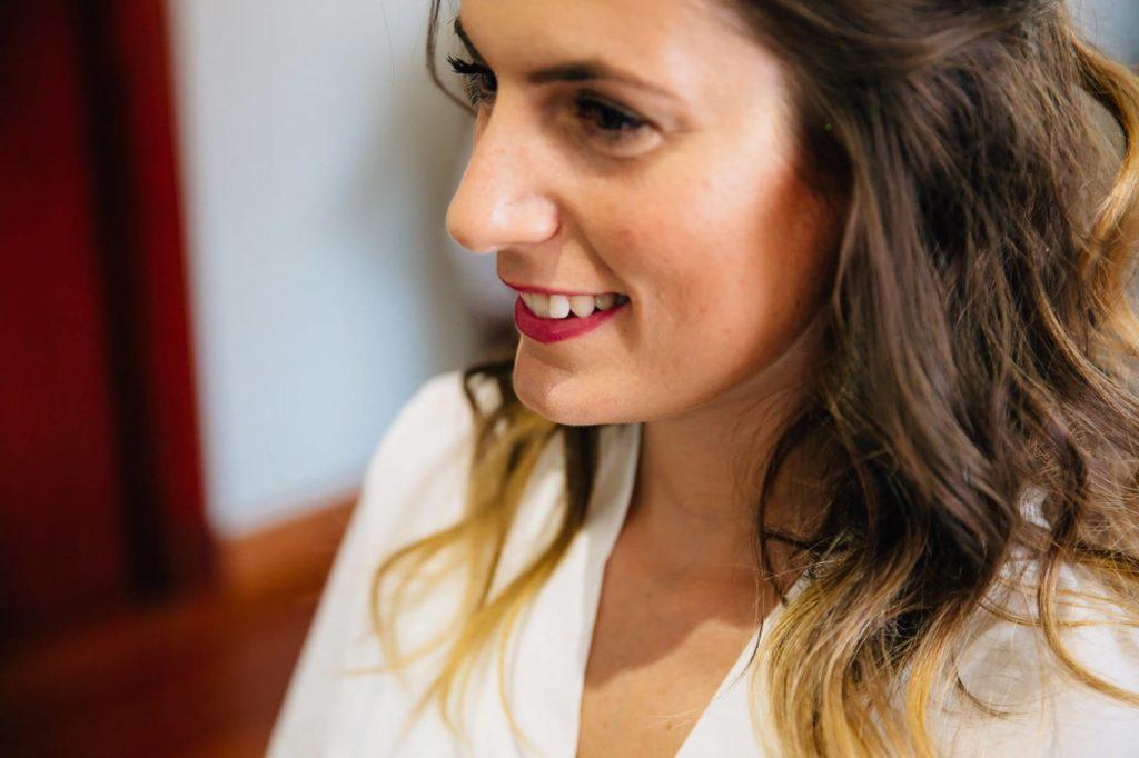 semirecogido de novia natural maquillaje elegante